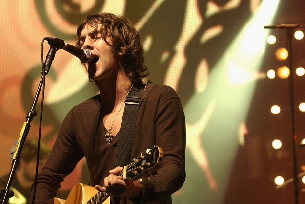 Richard Ashcroft Plays the Hammersmith Apollo