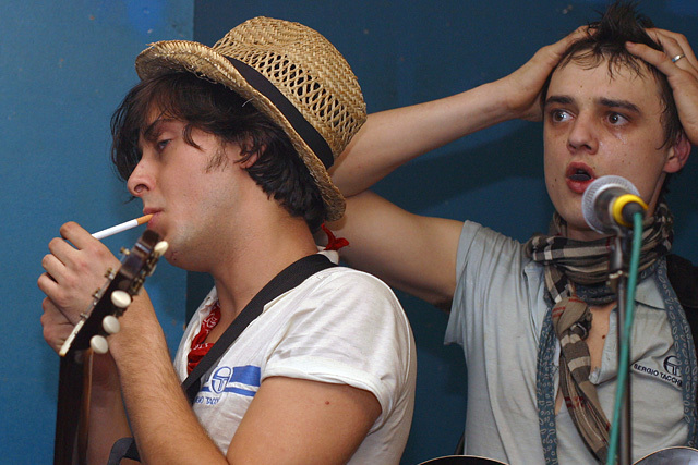 Pete-and-Carl-the-libertines-2674463-640-427